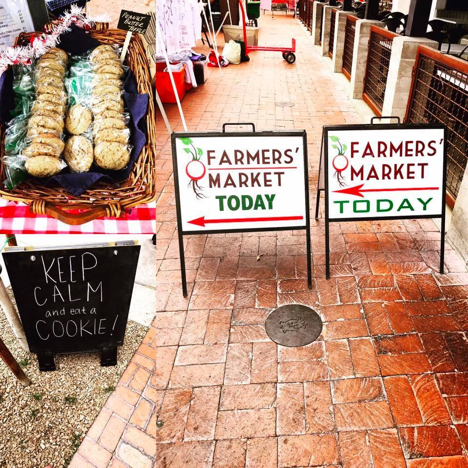 Picture of St. Philip's Plaza Classic Farmers' Market signs